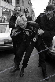Punks Police LONDON 1981 - 80_07239