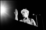 fl1504_fr05a_David_Bowie